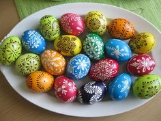 Klasika od nás... Easter Eggs, Holiday, Color, Pointillism, Vacations, Colour, Holidays, Vacation, Annual Leave