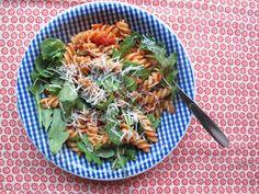 """""""Hungarian"""" pasta with tomatoes, basil, rucola, smoked paprika and parmesan"""