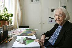 Carmen Herrera in her New York studio.JASON SCHMIDT/COURTESY LISSON GALLERY
