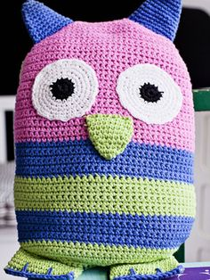 Nordic Yarns and Design since 1928 Owl Cushion, Amigurumi Patterns, Have Some Fun, Handicraft, Kids Toys, Miami, Arts And Crafts, Crochet Hats, Knitting