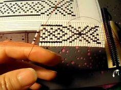 Tutorial como usar el telar para pulseras ojala que les agrade es muy fá...
