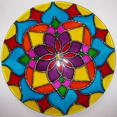 Recycling crafts with CDs- the best upcycling ideas to decorate your home and garden recycling craft with cds upcycling ideas mandala pictures Mandala Art, Mandalas Painting, Mandala Design, Crafts With Cds, Cd Crafts, Recycled Cds, Recycled Crafts, Stained Glass Projects, Stained Glass Patterns