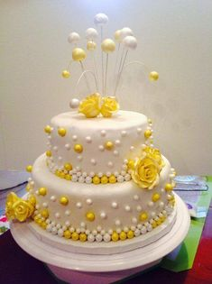 Explore a wide range of designer anniversary cake on YummyCake website. Affordable price, eggless, and same day delivery. 22nd Birthday Cakes, 3rd Birthday, Birthday Stuff, Anniversary Cake Designs, Wedding Anniversary Cakes, Birthday Cake With Flowers, Surprise Cake, Cake Online, Cake Delivery