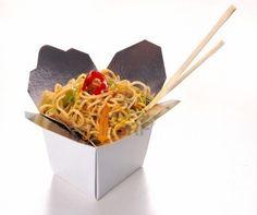 Chinese noedels eten geïsoleerd op witte achtergrond Stockfoto
