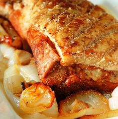 Jamie Oliver's Crispy Skin Pork Belly This came out beautiful. Remember to balance meat so crackling happens Pork Recipes, Cooking Recipes, Crispy Pork Belly Recipes, Pork Belly Oven, Cooking Ham, Good Food, Yummy Food, Healthy Food, Carne Asada