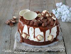 KINDER CHEESECAKE torta senza cottura con panna e biscotti, ricetta dolce freddo senza cottura, ideale per compleanno e per occasioni importanti