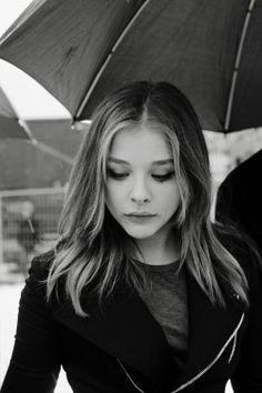 Chloë Grace Moretz looking beautiful Chloë Grace Moretz, Chloé Moretz, Pretty People, Beautiful People, Beautiful Women, Atlanta, Hit Girl, Carrie, Actrices Hollywood