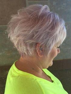rövid+frizurák+50+felett+-+rózsaszín+pixie