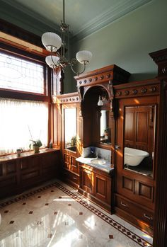 victorian decor Original Vanity Surrounded with New Paneling and Window Treatment Victorian Home Decor, Victorian Farmhouse, Victorian Bathroom, Victorian Interiors, Vintage Bathrooms, Victorian Homes, Steampunk Bathroom, Folk Victorian, Victorian Design