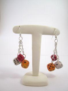 Boucle d'oreille fantaisie en forme de dés : Boucles d'oreille par mix-mania ____________ Fancy earring shaped dice : Earrings by mix -mania Jewelry clay polymer