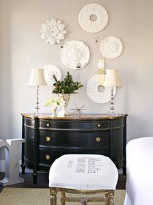 Interior Design Winter White Medallions Ceiling medallions become wall art when hung en masse. Choose inexpensive reproductions of cl. Under The Table, Ceiling Medallions, Home And Deco, Decoration Table, Diy Wall Art, Home Interior Design, Home Design, Interior Ideas, Home Projects