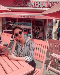 Mundo color rosa 💗 {Recoleta} . . . . . . #BuenosAires #lapanerarosarecoleta #travelguide #Argentina