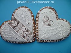 ornate gingerbread heart cookies