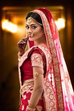 Dreamy bengali bride look. Dreamy bengali bride look. Indian Bridal Photos, Indian Wedding Poses, Indian Wedding Couple Photography, Indian Bridal Fashion, Indian Bride Poses, Bengali Bride, Bengali Wedding, Sikh Wedding, Wedding Ceremony