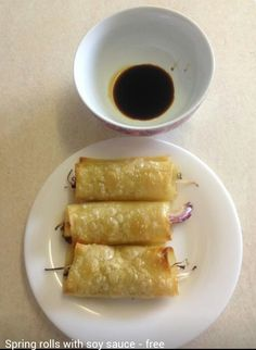 Picture of syn free spring rolls using lasagne sheets. Diet Recipes, Healthy Recipes, Healthy Meals, Healthy Food, Oven Dishes, Slimming World Recipes, Spring Rolls, Recipes