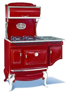 Antique Vintage appliances is proud to offer Northstar appliances and Elmira Stove Works antique vintage stoves and appliances. Kitchen Stove, Red Kitchen, Vintage Kitchen, Shabby Vintage, Vintage Antiques, Retro Vintage, Vintage Appliances, Home Appliances, Alter Herd