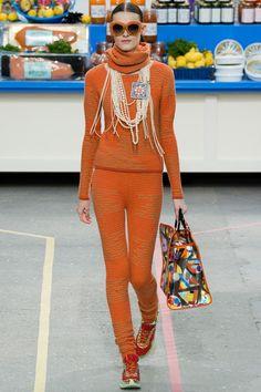 Van top tot teen knit - Chanel