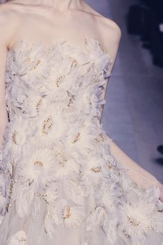 whore-for-couture:  ilivebytherulesoffashion:  valentino haute couture spring 2013  Haute Couture blog :)