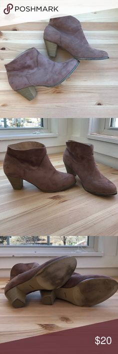 ❗️20% off bundles❗️Ankle boots, size 8 Ankle boots with heels, women's size 8. Only worn a few times. Bamboo Shoes Ankle Boots & Booties