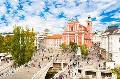 Located 700 meters from Ljubljana Old Town, Ljubljana Center Apartment offers accommodation in Ljubljana. Guests benefit from free parking. Barcelona, Salzburg, Gaudi, Hostel, Slovenia, Bed And Breakfast, Wi Fi, Istanbul, Santa Maria
