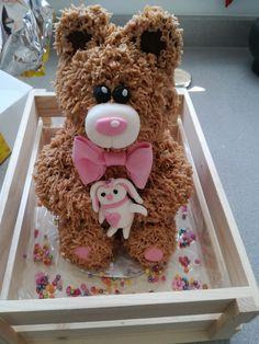 cute little baby teddybear cake!