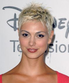 View yourself with Morena Baccarin hairstyles and hair colors. View styling steps and see which Morena Baccarin hairstyles suit you best. Short Curly Hairstyles For Women, Short Pixie Haircuts, Pixie Hairstyles, Straight Hairstyles, Curly Hair Styles, Blonde Hairstyles, Hairstyle Short, 1940s Hairstyles, Curly Haircuts