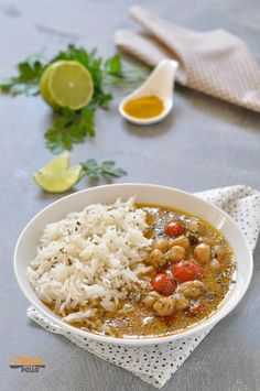 Chickpea curry with basmati rice and coconut milk- Chickpea curry with basmati rice and coconut milk – vegan chickpea curry - Wine Recipes, Asian Recipes, Cooking Recipes, Irish Recipes, Vegan Chickpea Curry, Chicken Chickpea, Vegetarian Curry, Vegetarian Recipes, Healthy Recipes