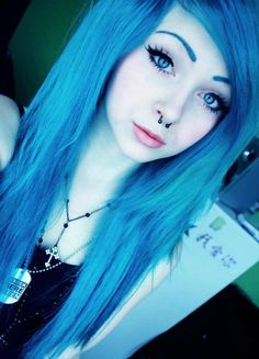 pastel-goth-princess: i ❤ the electric/neon blue Cute Scene Girls, Cute Emo Girls, Pretty Girls, Pelo Emo, Goth Princess, Ice Princess, Emo Scene Hair, Alternative Hair, Cool Hair Color