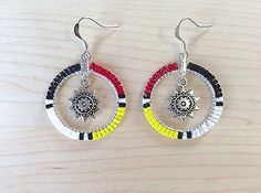 Earrings Hoop Beaded Hoop Earrings w/ Sun / Star, Native American Style Beadwork, Tribal Color - Beaded Earrings Native, Beaded Earrings Patterns, Native Beadwork, Earrings Handmade, Indian Beadwork, Handmade Beads, Beaded Necklace, Seed Bead Jewelry, Seed Bead Earrings