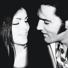 """Lisa Marie has been deleted from the photo (original shows her """"between"""" Elvis and Priscilla. Elvis Presley Priscilla, Elvis Presley Family, Elvis Presley Photos, Lisa Marie Presley, Bridesmaid Outfit, Blue Bridesmaids, Family Photo Album, Famous Couples, Cinema"""