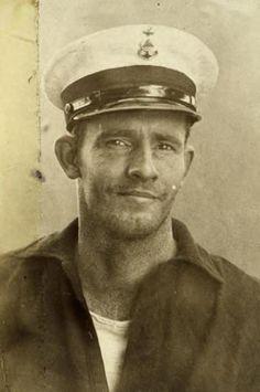 Pookie's Home — oledavyjones: sailor Jack Vintage Pictures, Vintage Images, Vintage Men, Vintage Gentleman, Photos Originales, Vintage Sailor, Old Portraits, Man Of War, Art Of Man