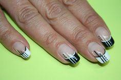 en noir et blanc Purple Nail Designs, Nail Art Designs, Pretty Nails, Cute Nails, Paris Nails, Short Nails Art, Crazy Nails, Silver Nails, Luxury Nails
