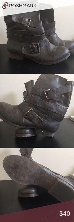 Stylish Comfortable Boots comfortable everyday small heeled boots Zigi Soho Shoes Heeled Boots