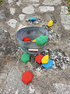 Spring time is a good time to fix things, maybe paint the house or a garden fence. Here is a game to get painters of all ages into gear: Practice tossing some paint drops! Pin Weaving, Paint Drop, Paint Buckets, Toss Game, Welcome Spring, Tossed, Spring Time, Make Your Own, Loom