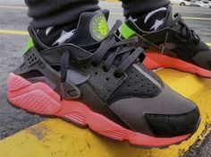 Nike Air Huarache Anthracite - Hyper Punch / Electric Green / Black