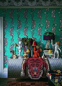 Maximalism: The Big Design Trend for 2019 - Check Out This Maximalist Interior > Floor-to-ceiling billowy foliage using overgrown plants and life-size sculptures. Big Design, House Design, 2020 Design, Design Ideas, Design Projects, Luxury Homes Interior, Luxury Home Decor, Interior Design Trends, Interior Decorating