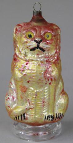Lot # : 1993 - SITTING LION BLOWN GLASS ORNAMENT