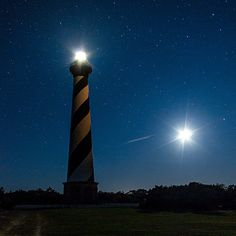 1. There's nothing more 'classic Carolina' than Cape Hatteras Lighthouse. #MoveToCarolina #NCStyleHomes.com Weekend Trips, Vacation Trips, Vacation Ideas, Family Vacations, South Carolina, Places To Travel, Places To See, Nc Lighthouses, Linville Falls