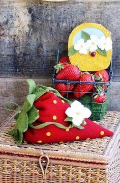 Strawberry Pin Cushion Template | BIG FAT Strawberry Pincushion Pattern