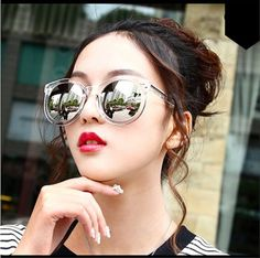 Do you like this multicolor vintage sunglasses?? 😎