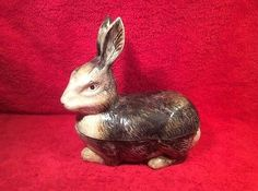 Vintage-French-Majolica-Grey-Bunny-Rabbit-Lidded-Turrine-fm993