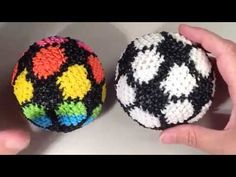 New Soccer Ball Loomigurumi Amigurumi Rainbow Loom Band Crochet Hook Only Futbol Sports Rainbow Loom Tutorials, Rainbow Loom Patterns, Rainbow Loom Creations, Rainbow Loom Bands, Rainbow Loom Charms, Rainbow Loom Bracelets, Loom Band Patterns, Crochet Patterns, Rubber Band Crafts