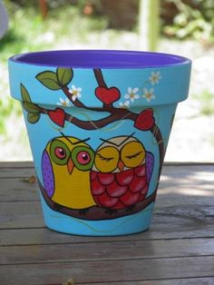 Flower Pot Crafts and How They are Done : Ideas For Painting Flower Pots. Ideas for painting flower pots. flower pot craft kits,flower pot crafts for teachers Flower Pot Art, Flower Pot Design, Flower Pot Crafts, Clay Pot Crafts, Cactus Flower, Clay Flower Pots, Painted Plant Pots, Painted Flower Pots, Pots D'argile