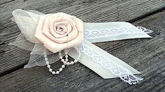 Pierka - Svadobné pierko - Ruža de la creme - 6299629_ Diy Flowers, Fabric Flowers, American Girl Hairstyles, Rustic Wedding Flowers, Diy Ribbon, Girl Hair Bows, 25th Anniversary, Wedding Designs, Creme