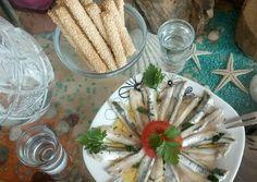 #cookpad_greece #μεζεδακι #γαυρος_μαρινατος Table Decorations, Vegetables, Corfu, Recipes, Food, Essen, Vegetable Recipes, Meals, Eten