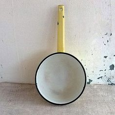 Vintage enamel saucepan Retro kitchen ladle 1.5 liter by MyWealth