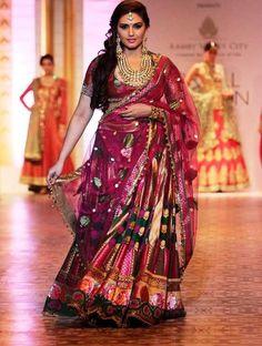 Tall beautiful actress Huma Qureshi walked the ramp for Ashima Leena during the Aamby Valley India Bridal Fashion Week (IBFW), 2013, Mumbai.  What she wor