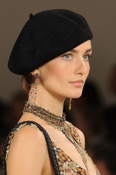 Ralph Lauren Spring / Basic beret is stunning here. #hats #spanish #fashion