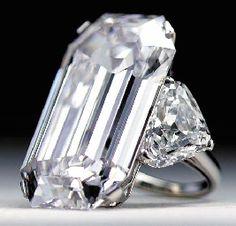 LA FAVORITE A MAGNIFICENT DIAMOND RING, BY BULGARI 50.15 carats  Price realised  USD 3,636,000 Estimate USD 2,500,000 - USD 5,000,000
