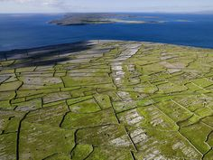 The Aran Islands in Connemara are probably the best-known of Ireland's 26 off-shore islands. They are Árainn (Inishmore), Inis Meáin (Inishmaan) and Inis Oírr (Inisheer). This one is Árainn, 'the big one', home to Dún Aonghusa – one of the most important pre-historic sets in Europe, a ring-fort now bisected by an abrupt 300 foot drop into the sea.